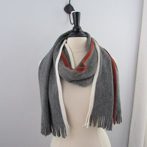 Banana Republic 2011 knit gray multi color Scarf